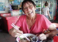 Acha, 61 ans, hétérosexuel, Femme, Vernon, France
